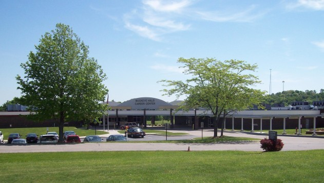 Photo of Buckeye Hills Career Center building and parking